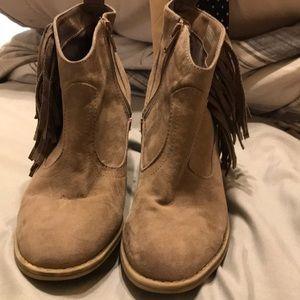 Size 8 tassel booties